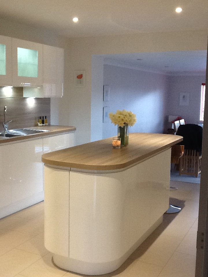 White Gloss And Wood Contrast Kitchen