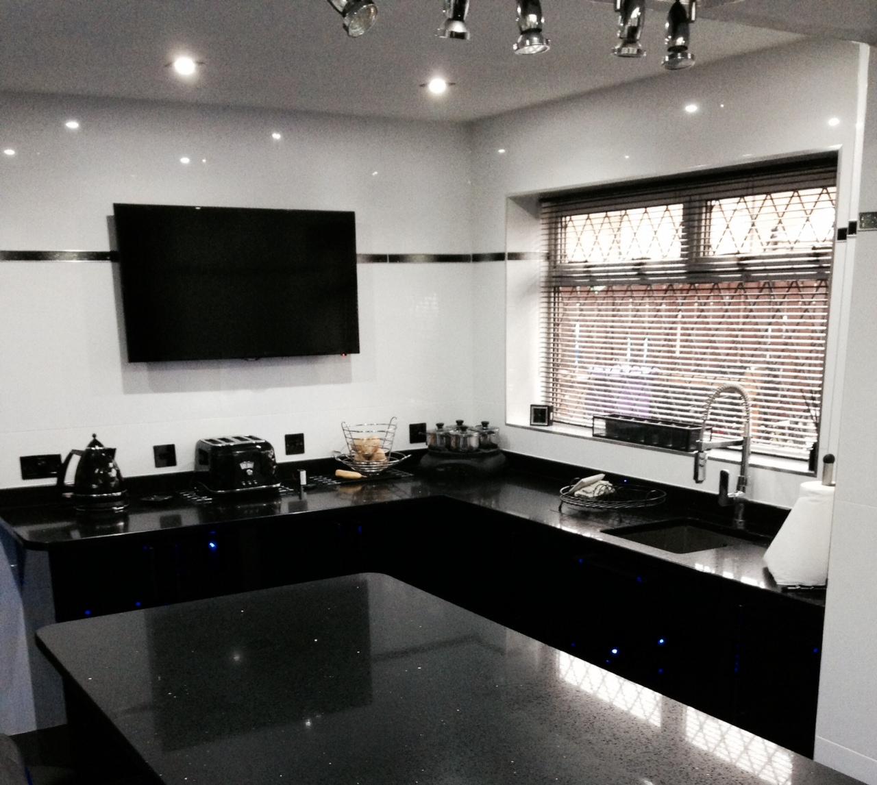 Kitchen Lighting Glasgow: Black Gloss Kitchen Glasgow Area