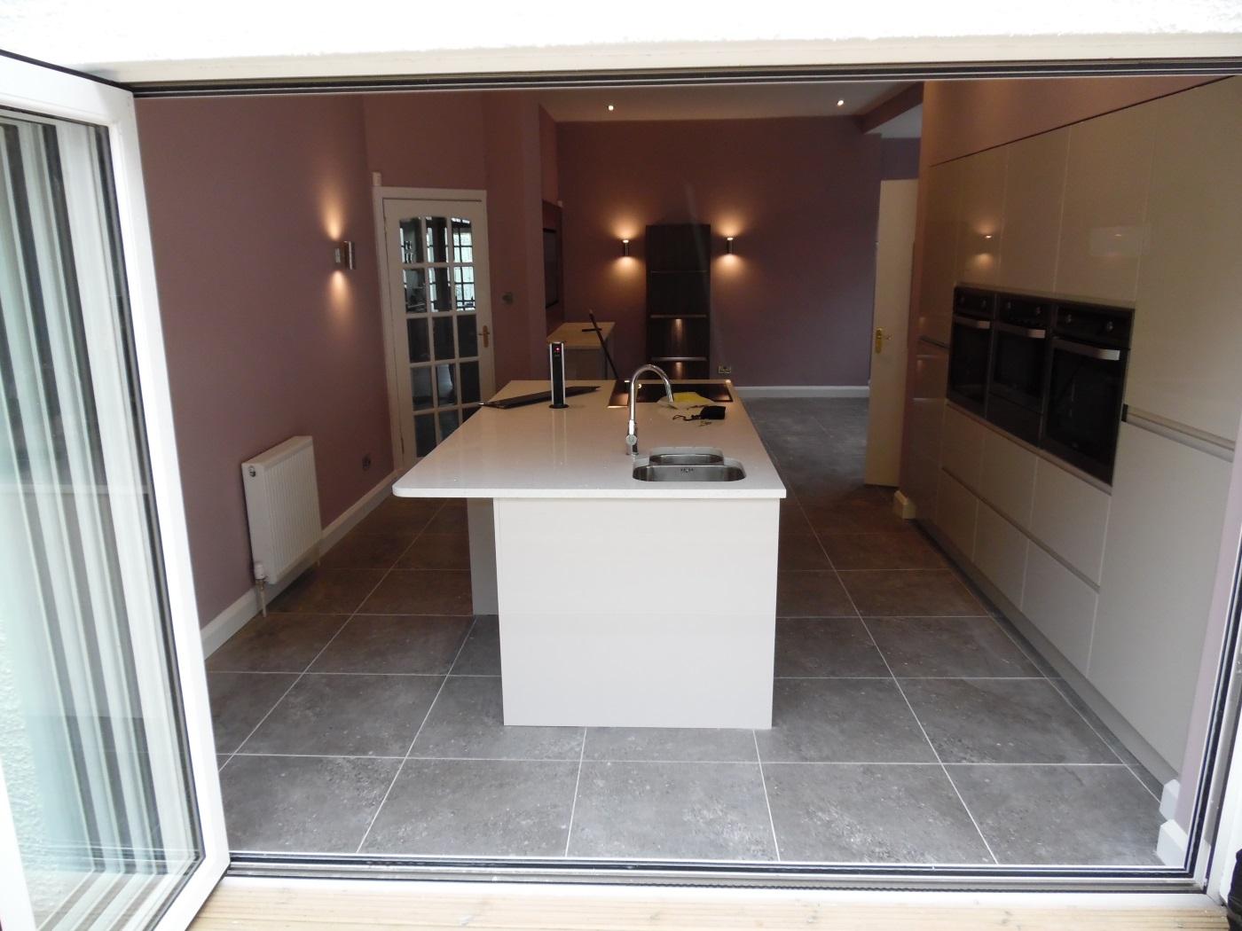 Finished Handleless gloss kitchen