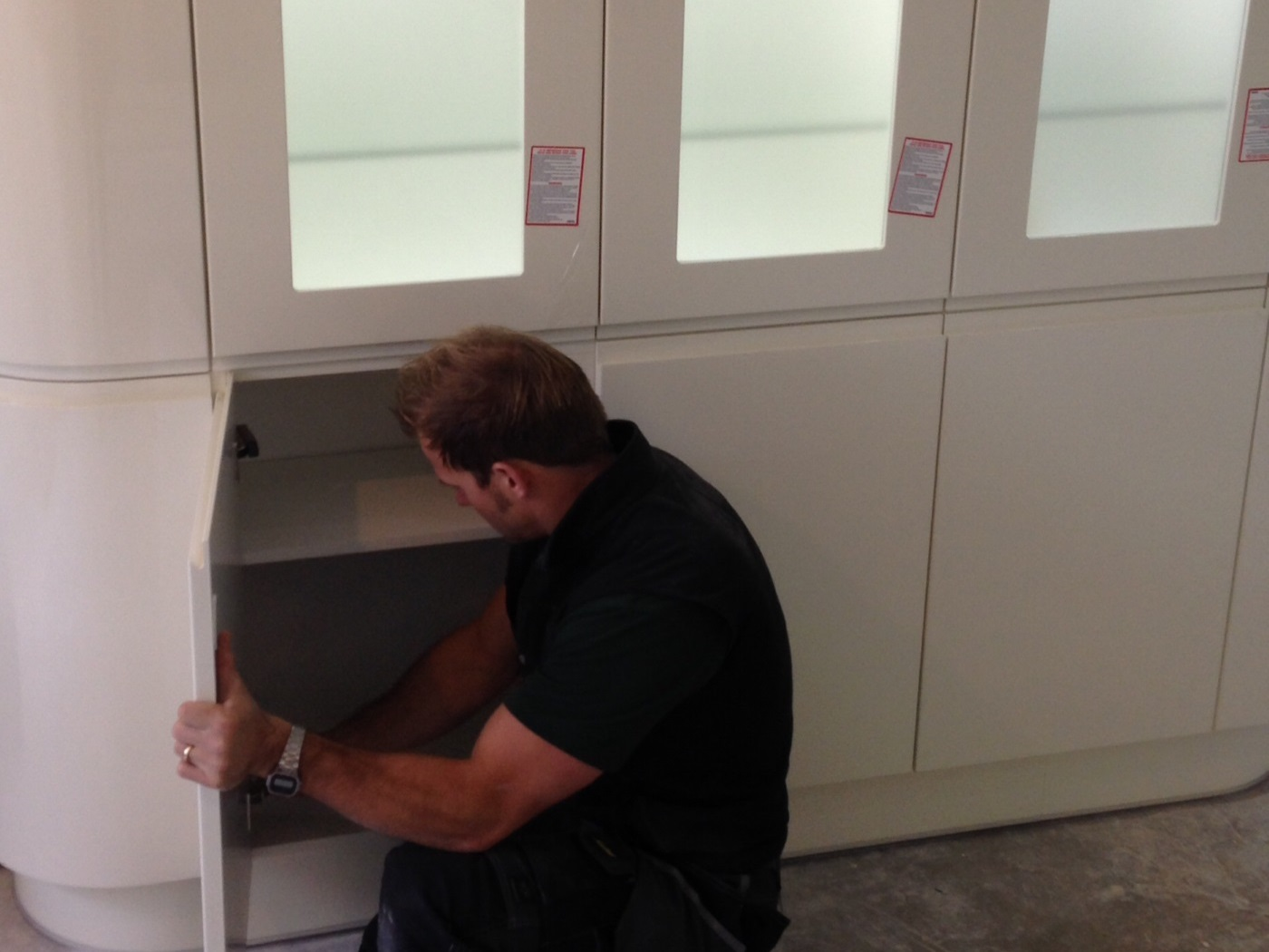 Adjusting and levelling doors